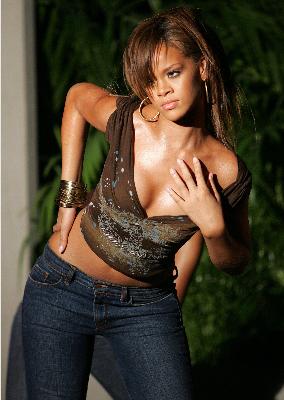 862959 rihanna r05 - Rihanna